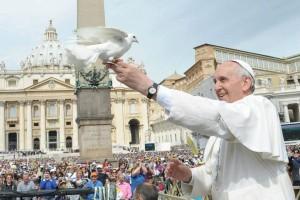 papa-francisco-paz-_Losservatore-Romano-600x400